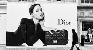 Lecce rende omaggio a Christian Dior. In mostra gli abiti di una collezione pugliese