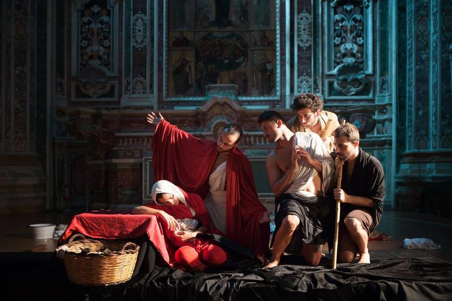 Tableaux Vivants da Caravaggio e le Sette Opere di Misericordia