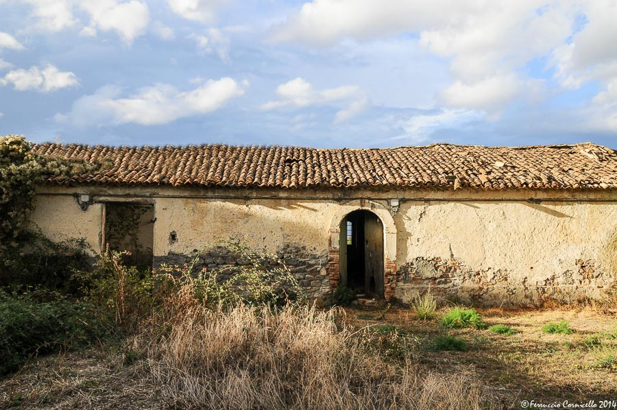 Calabria jonica: a Rossano, due antiche masserie, lo storico Caffè Tagliaferri, il pane di Forello e la cantina Marinelli