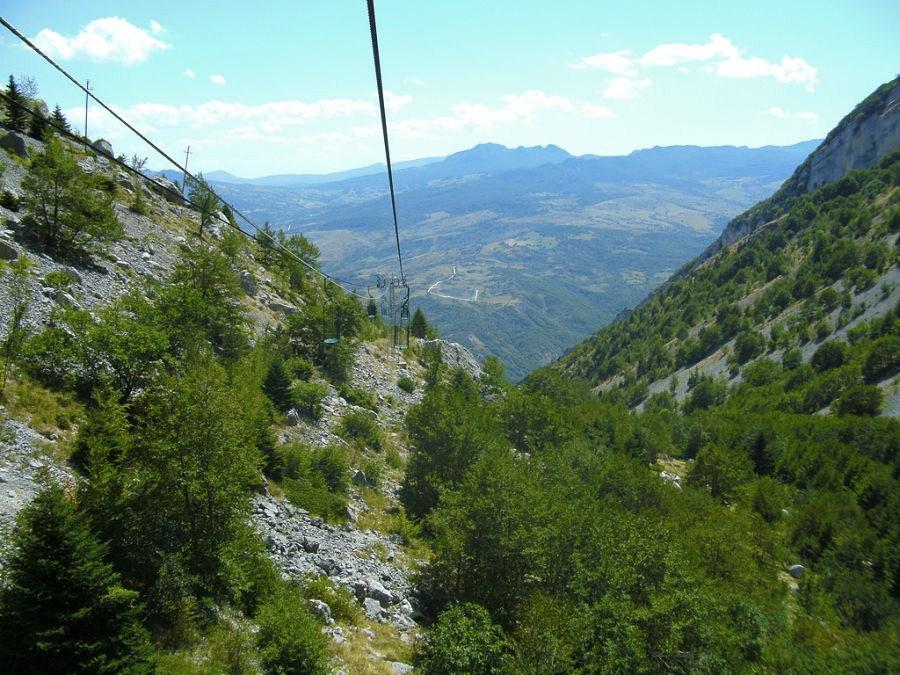 E' in Abruzzo la grotta visitabile più alta d'Europa: vertiginose suggestioni fra natura e letteratura