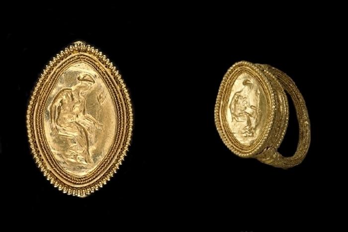 Gli ori della sacerdotessa di Taranto