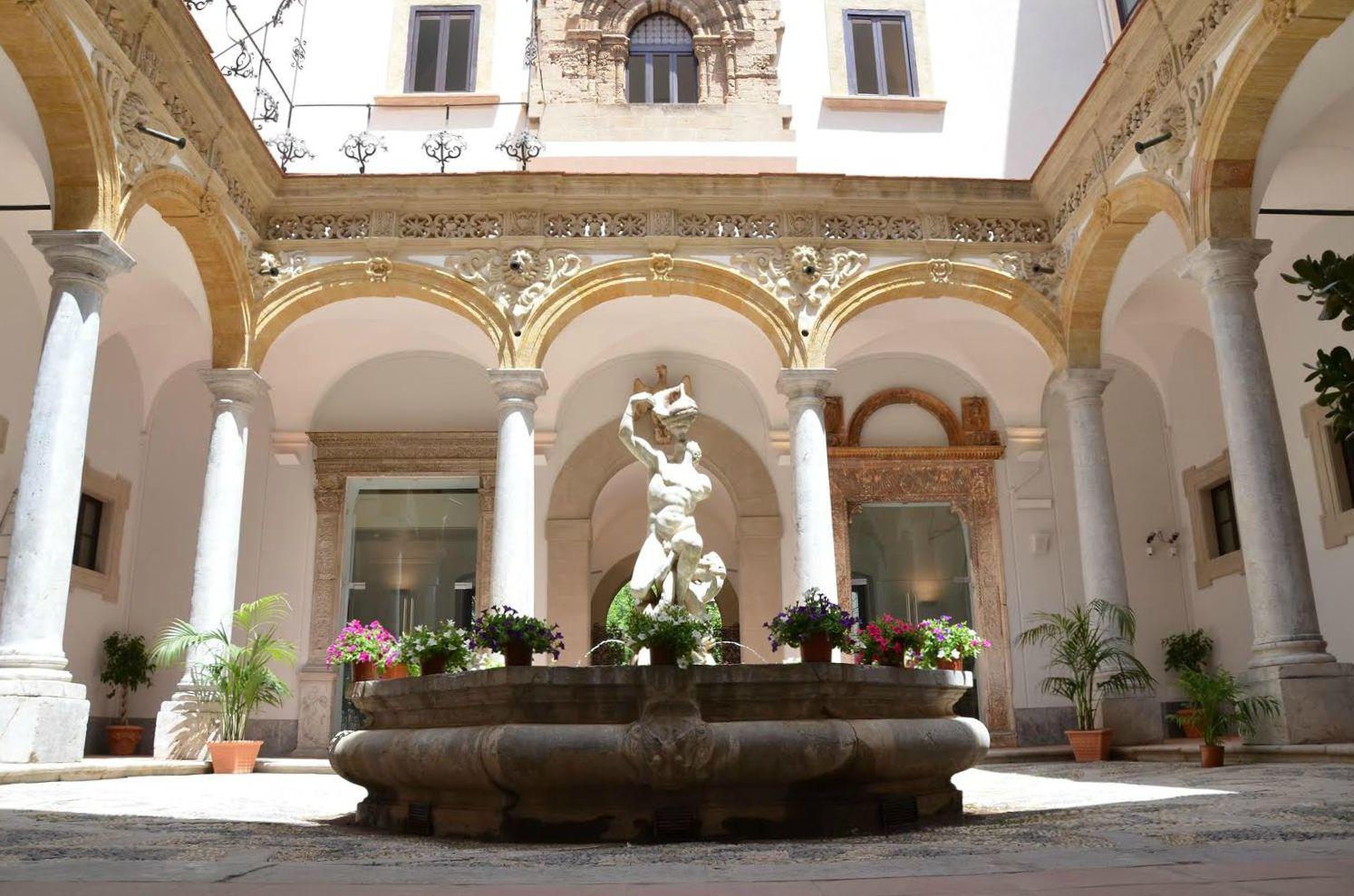 I falsi archeologici del Museo Salinas di Palermo. Flavia Frisone racconta l'avvincente storia di di una beffa