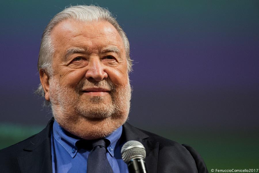 Il Bif&st premia Pupi Avati con il Federico Fellini Platinum Award. Il regista: «venimmo a scoprire la ricchezza qui al Sud»