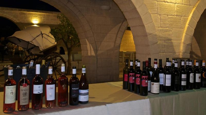 In alto i calici a radici del Sud, Salone dei vini da vitigni autoctoni meridionali