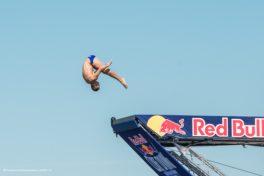 Nel blu dipinto di blu: a Polignano gli spettacolari tuffi del Red Bull Cliff Diving World Series 2015 - 2