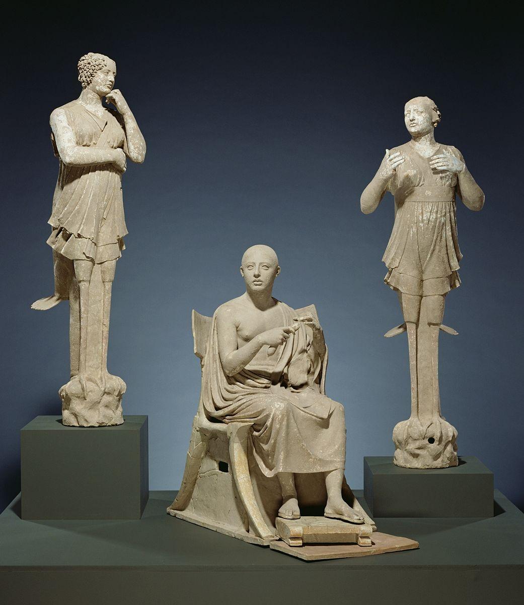 Proviene da Taranto lo straordinario gruppo scultoreo di Orfeo e le Sirene custodito al Getty Museum