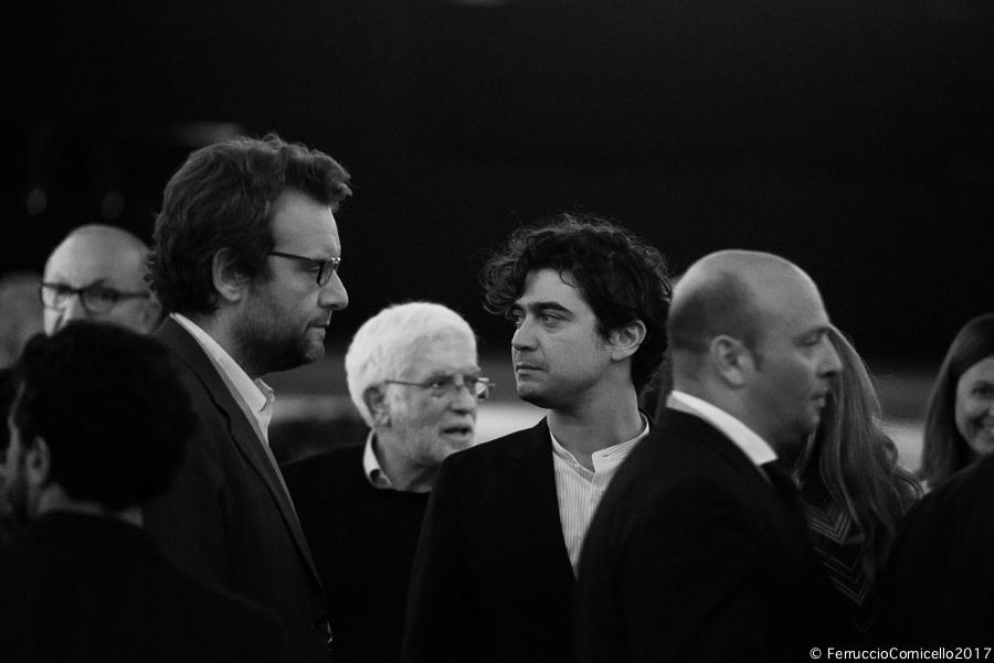 Riccardo Scamarcio: al Bif&st il discutibile show dell'attore premiato come miglior interprete dell'anno 2