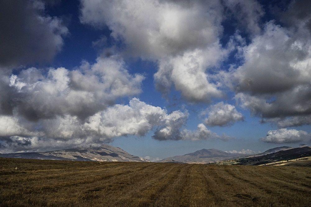 Sicilia, una terra sul magico confine fra luce e ombra, nelle immagini di Nicola Vigilanti - Erice