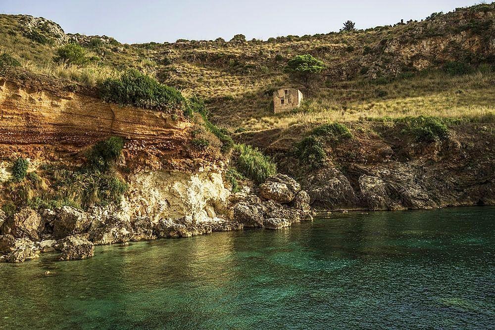 Sicilia, una terra sul magico confine fra luce e ombra, nelle immagini di Nicola Vigilanti - Zingaro