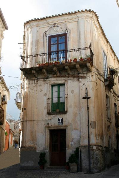 Simona Tonna: pellegrina in Calabria