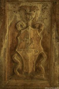 Cripta della Cattedrale di Acerenza (Pz). Part. di pilastro con il doppio stemma Ferrillo-Balsa, 1524 – Ph. © Ferruccio Cornicello