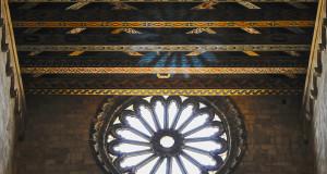 Luci nella Cattedrale romanica di Bitonto