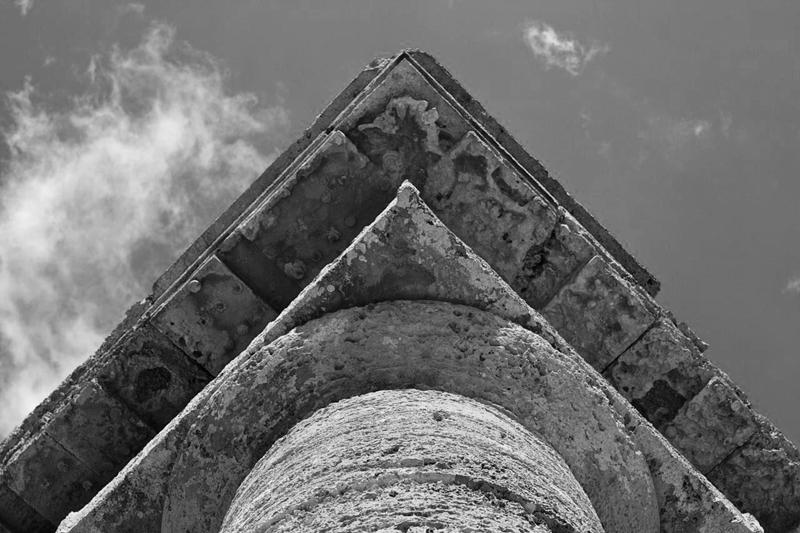 Tempio di Segesta, capitello - Ph. Mingo Hagen | ccby2.0