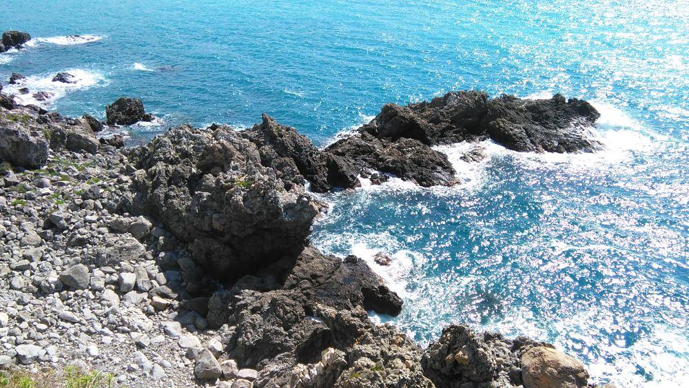 Il mare di Calabria tra Scilla e Bagnara Calabra - Ph.  © Famedisud