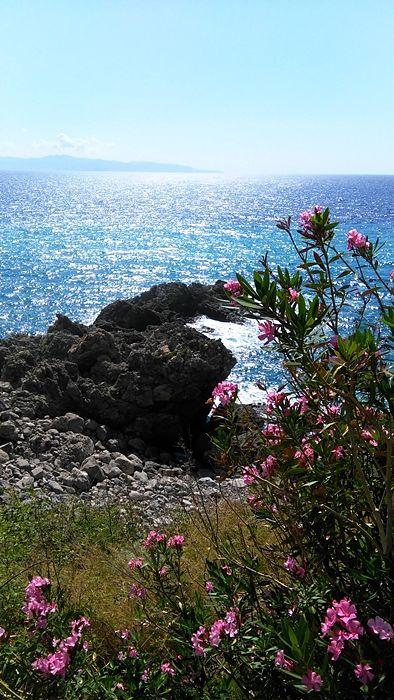 Il mare fra Scilla e Bagnara Calabria - Ph. © Famedisud