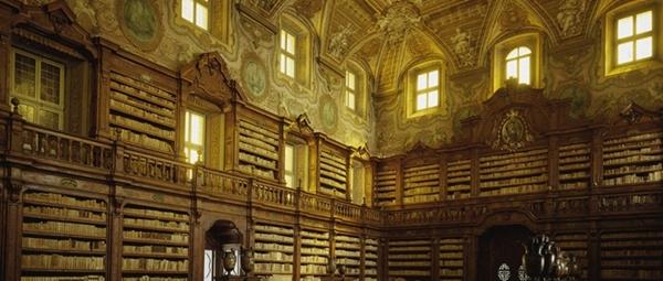 Biblioteca-Girolamini-Napoli_2