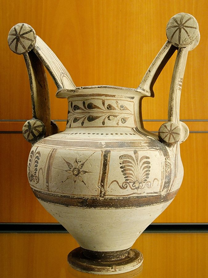 Esempio di vaso messapico, IV sec. a.C. - Ph. Marie-Lan Nguyen | Public domain