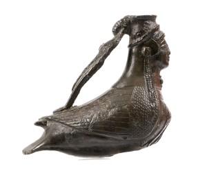 fig. 3 - Askos a forma di sirena, da Kroton