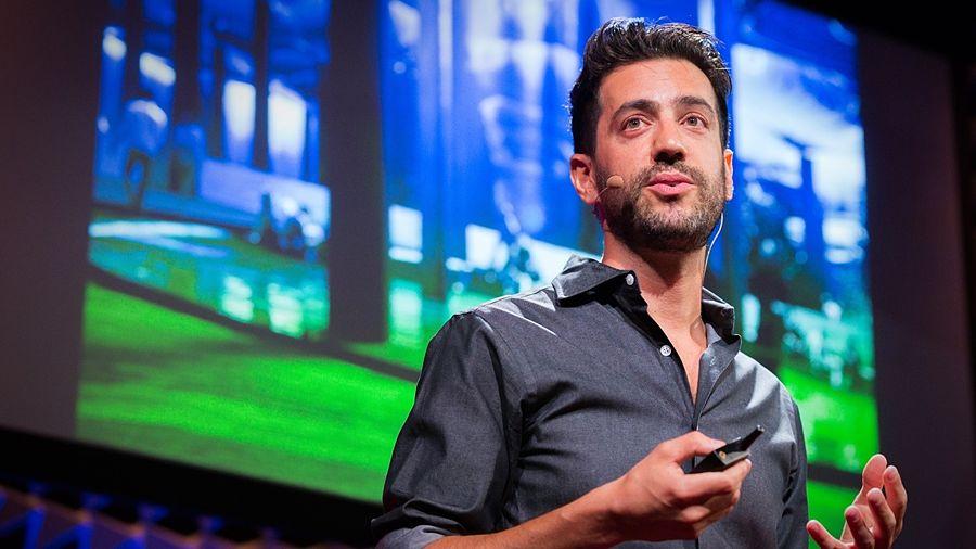 Dan Barash durante un TEDx