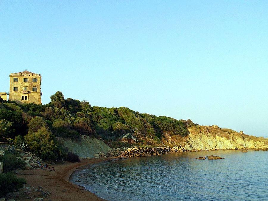 Calabria - Scorcio di Punta Scifo al crepuscolo - Ph. Revolweb | CCBY-SA2.0