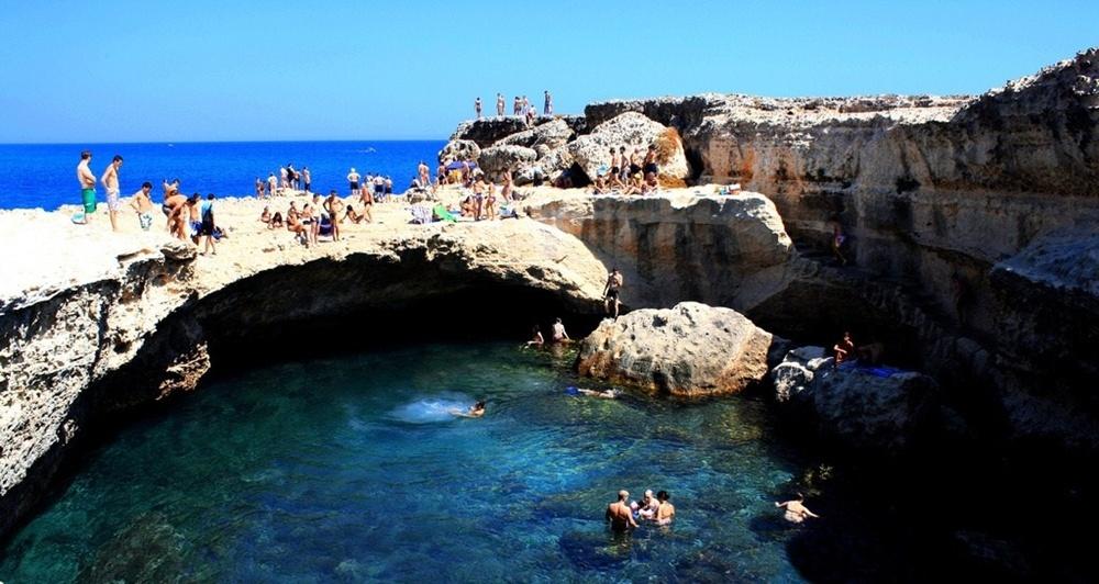 Puglia - Grotta della Poesia, Roca Vecchia, Melendugno (Lecce) - Ph. RedFlake | CCBY-SA2.0
