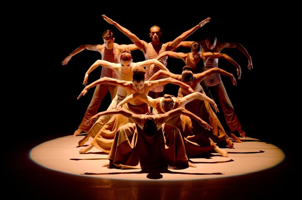 La compagnia di danza contemporanea Alvin Ailey - Ph. Eduardo Patino