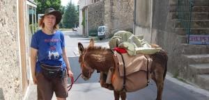 Dalla Francia al Salento: 1800 km a piedi per raggiungere Maglie, paese di Aldo Moro