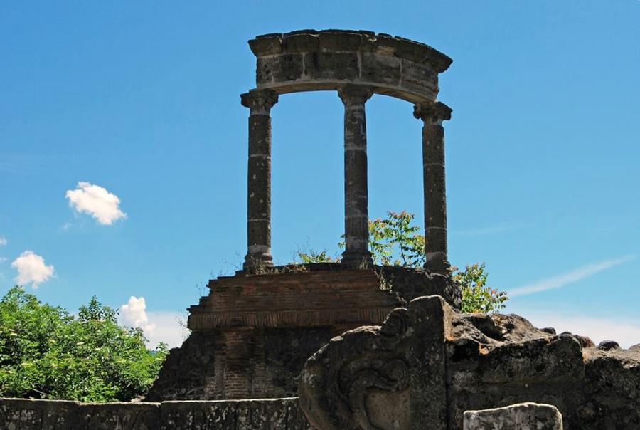 Campania - Scorcio della necropoli di Porta Ercolano, Pompei (Napoli) - Ph. Harvey Barrison