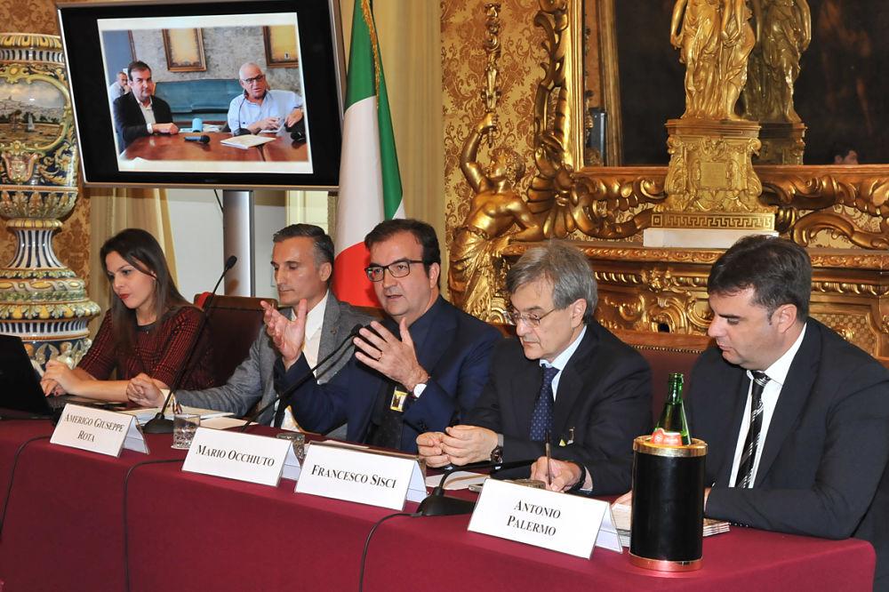 Il sindaco di Cosenza, mario Occhiuto, illustra a Roma, presso la Camera dei Deputati, il progetto di ricerca archeologica su Alarico - Ph. Daniele Luxardo