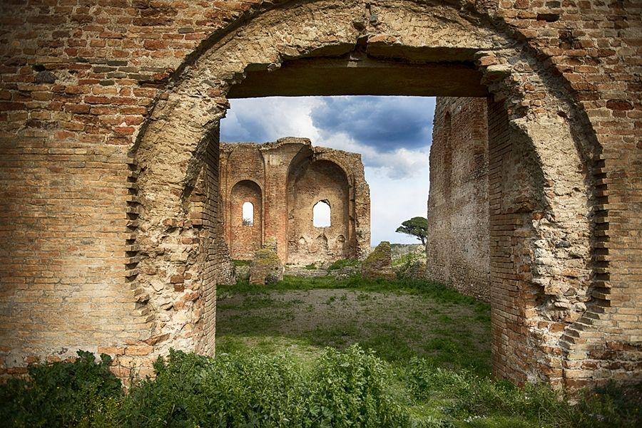 Scorcio dei resti della Chiesa di S. Maria della Roccella, Scolacium - Ph. courtesy Giuseppe Battelli