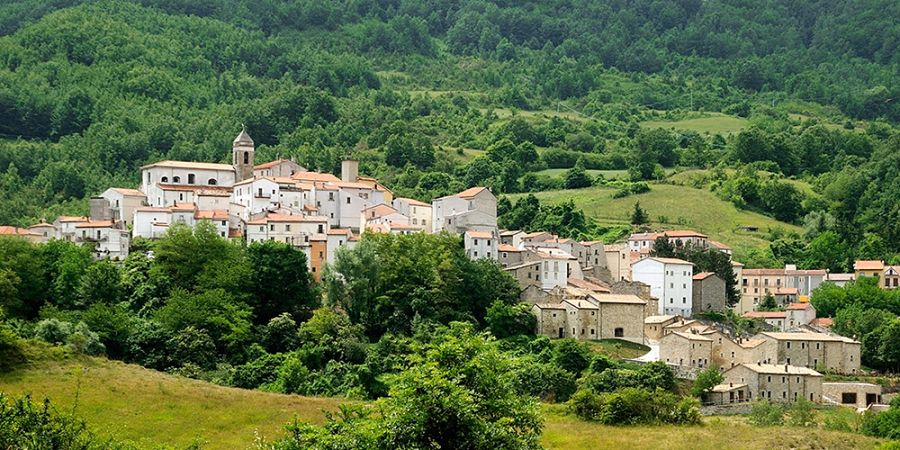 Molise - Veduta di Castel del Giudice - Ph. Borgotufi