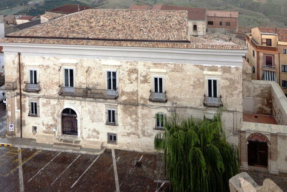 """Il Palazzo Arcieri Bitonti, sede del Museo """"In viaggio in Basilicata"""", XVIII sec. - Ph. © Francesco La Centra"""