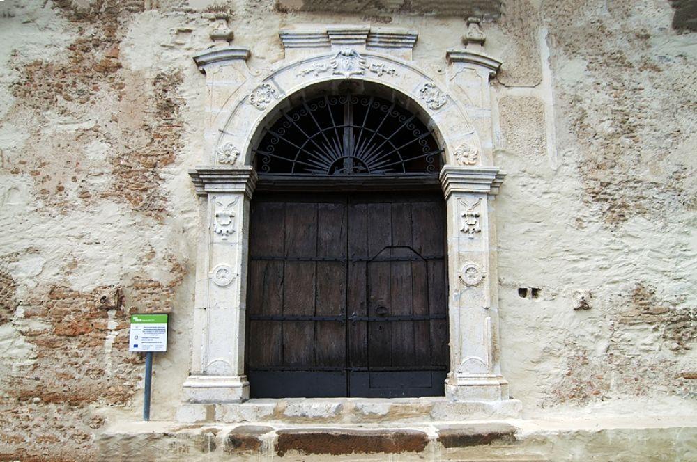 Portone di Palazzo Arcieri Bitonti, San Mauro Forte (Mt) - Ph. © Francesco La Centra