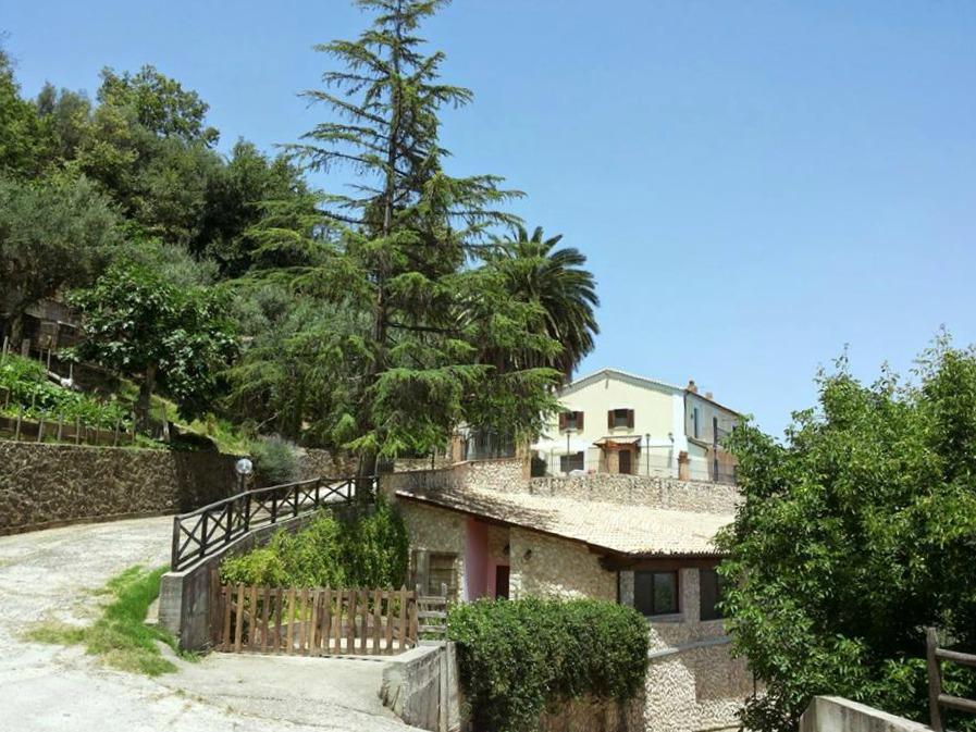 Il casale di campagna sede di HOMEforCREATIVITY, a Montalto Uffugo (Cosenza)