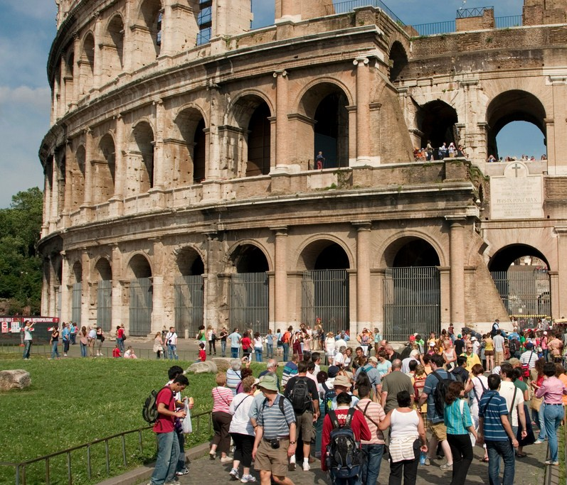 Turisti al Colosseo, Roma - Ph. Jimmy Harris | CCBY2.0
