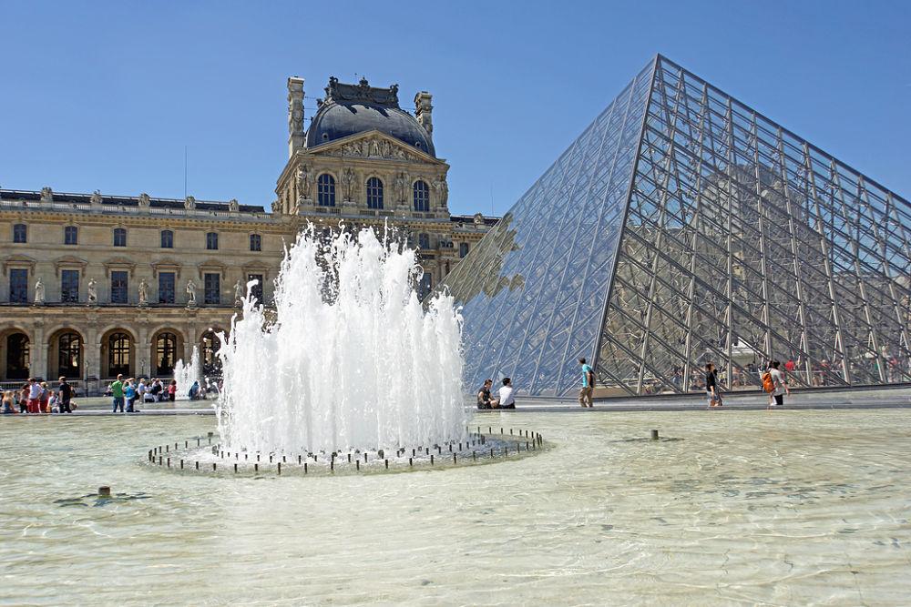 Museo del Louvre, Parigi - Ph. Dennis Jarvis | CCBY-SA2.0
