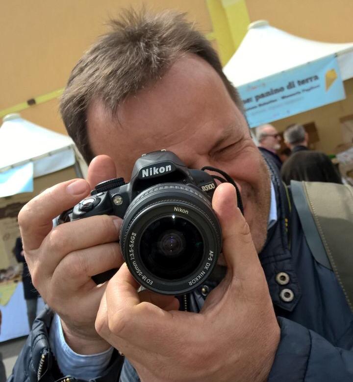 Michele con la sua Nikon