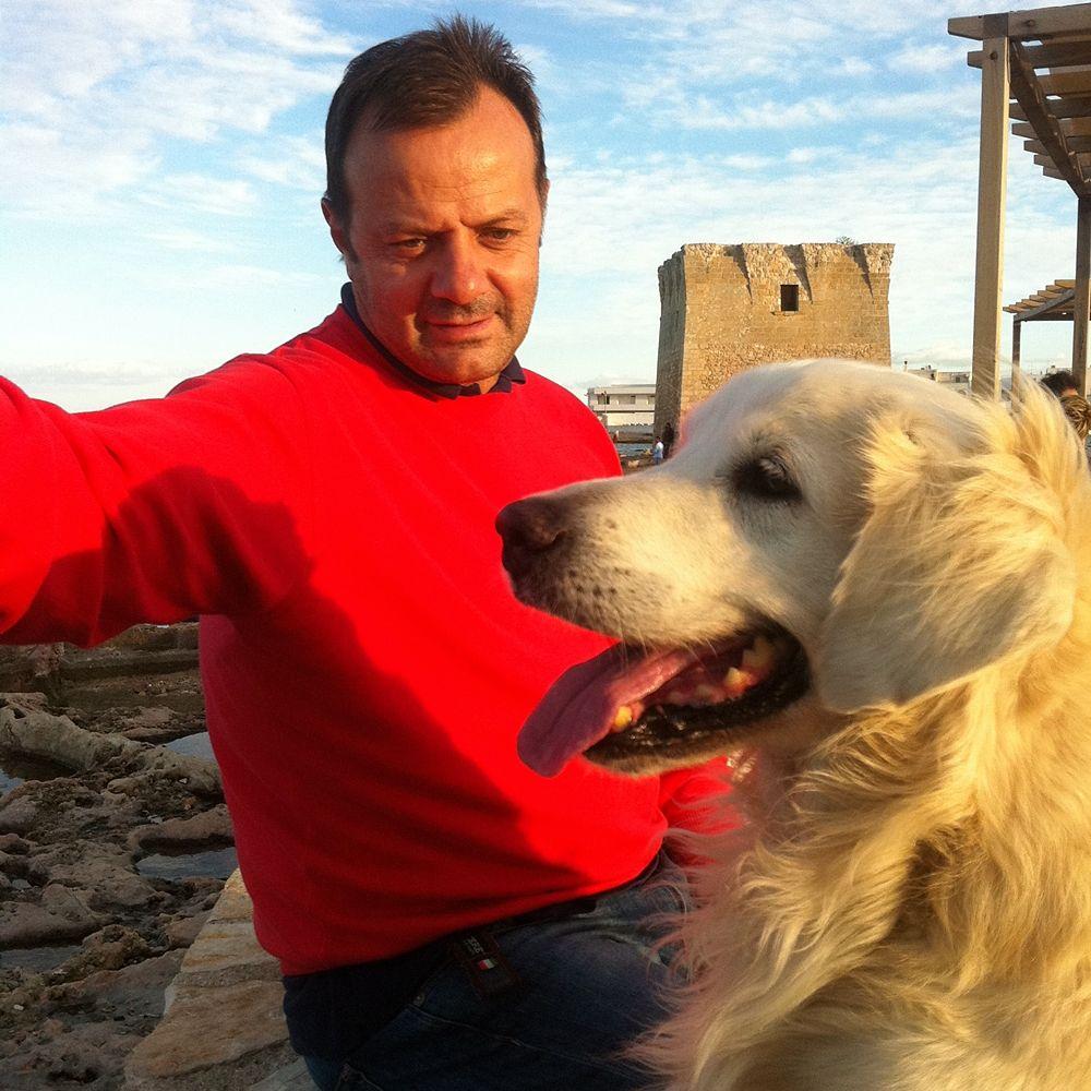 Michele e Arturo sulla spiaggia di S. Vito di Polignano a Mare (Bari)