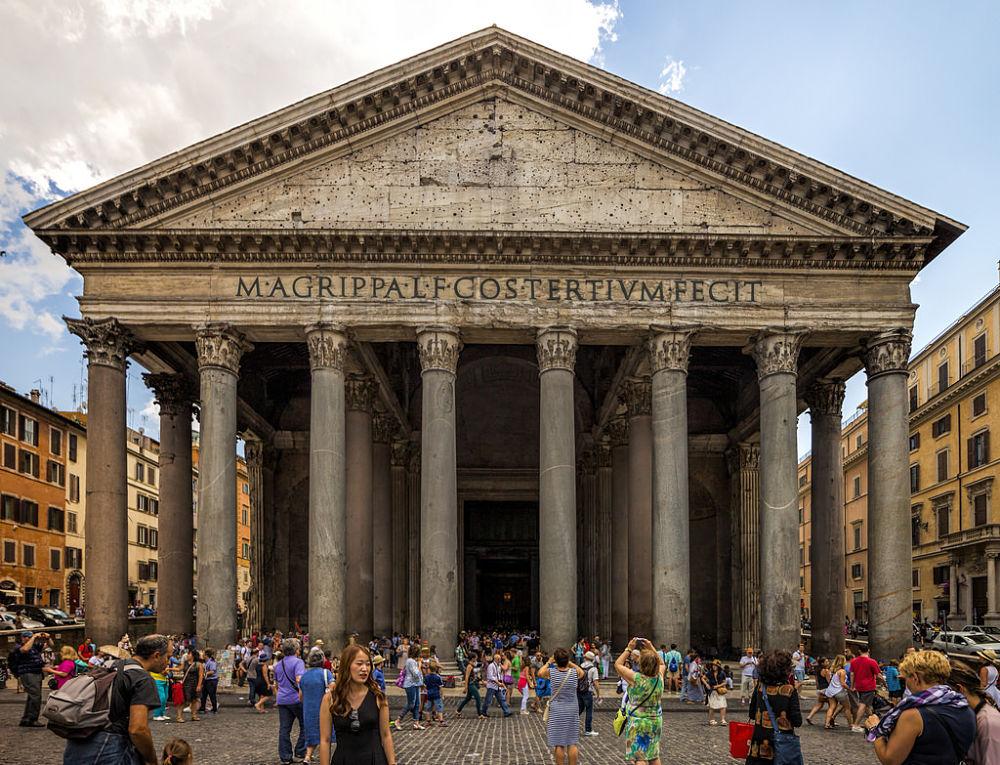 Turisti al Pantheon, Roma - Ph. Darren Flinders | CCBY-ND2.0