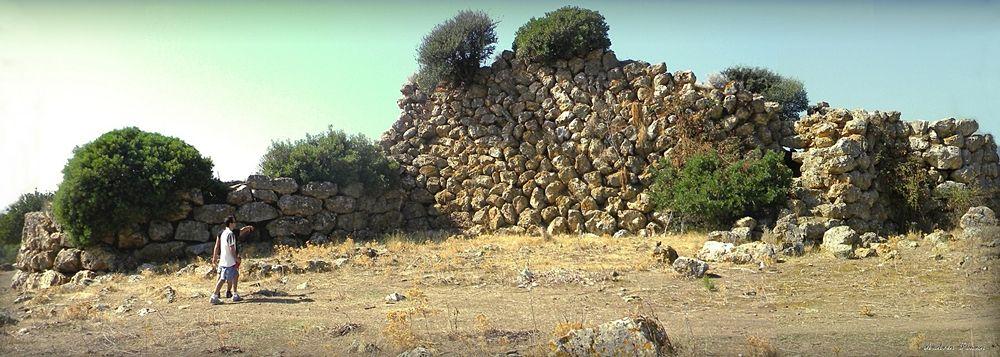 Nuraghe di Sa Domu'e'sOrcu, Domusnovas (Carbonia-Iglesias) - Ph. Andrea Pinna | CCBY-SA2.0