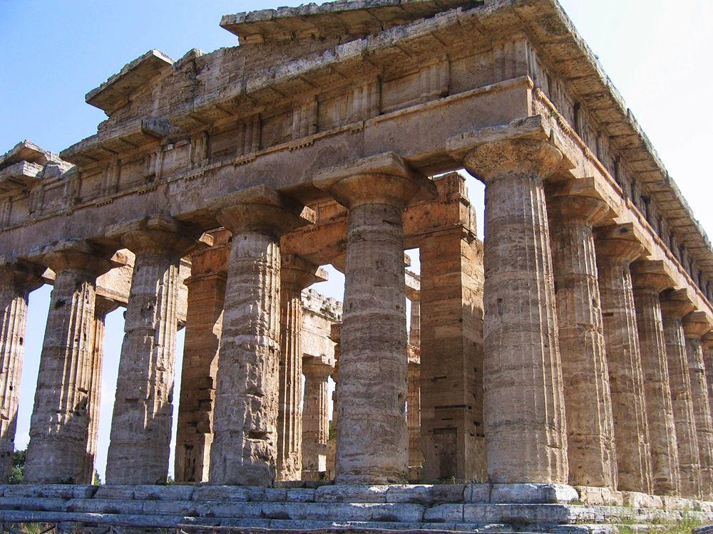 """Campania - Il tempio di Era detto """"tempio di Nettuno"""", Paestum (Salerno) - Ph. © Michele Natale"""