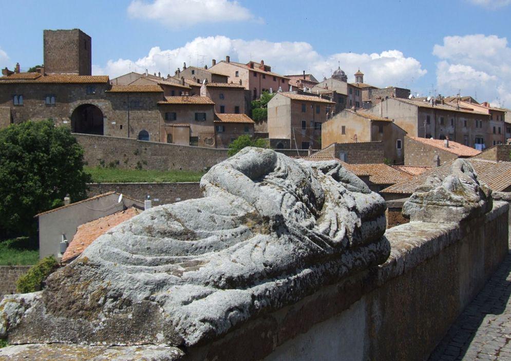 Veduta di Tuscania (Viterbo) - Ph. Mattana   Public domain