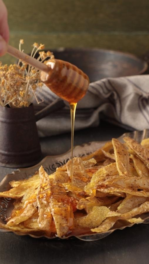Bucce di patate fritte al miele -  Ph. © Anna Laura Mattesini