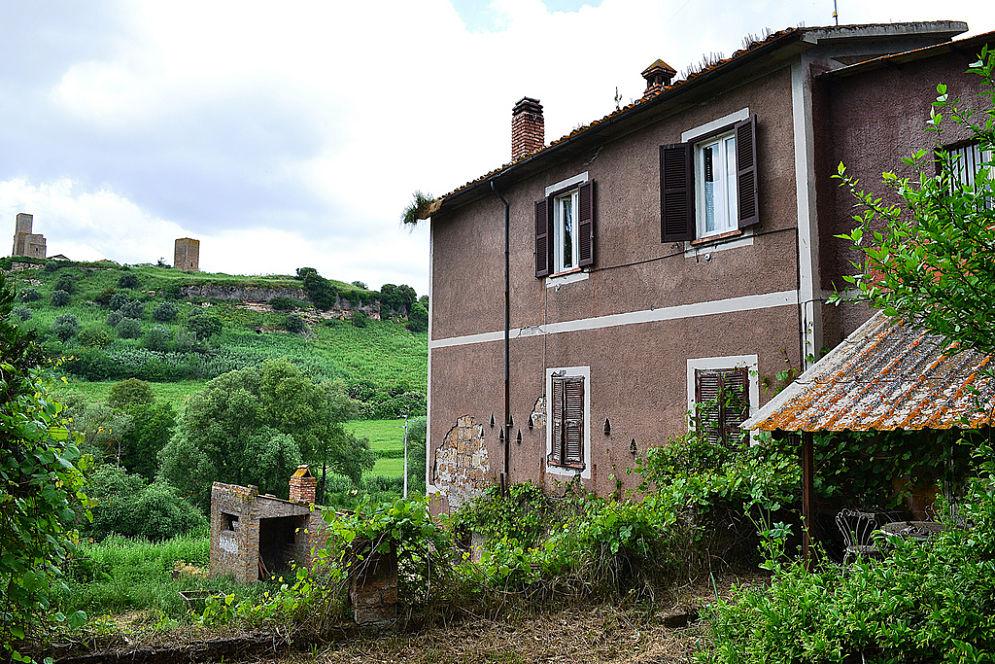 La casa di Bonaria Manca, a Tuscania (Vt) - Ph. Pavel Konecny   CCBY.NC2.0