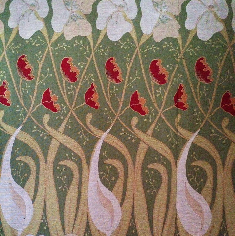 Dettaglio di tessuto decorato a ireos e papaveri, Villino Florio, XX sec., Palermo - Ph. Wilfrid Hauffman