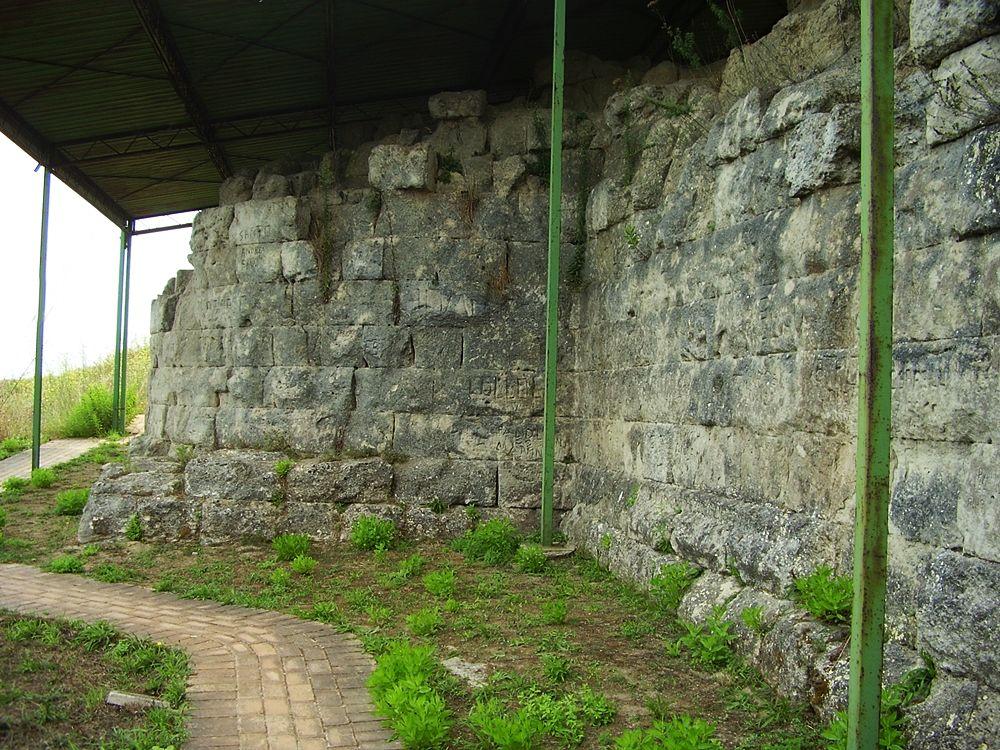 Mura di Hipponion: Torre IV, fase D1 - Ph. Manuel Zinnà