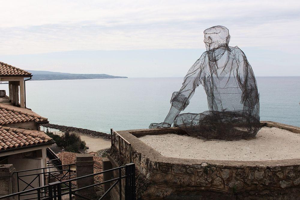 Edoardo Tresoldi, L'uomo dei venti, Pizzo Calabro (VV) - Ph. © Alessandra Scriva