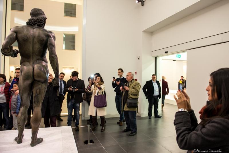 Pubblico nelle sale del Museo Archeologico Nazionale di Reggio Calabria – Ph. © Ferruccio Cornicello