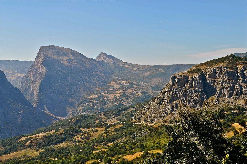Calabria - La Timpa San Lorenzo vista da San Lorenzo Bellizzi (Cosenza) - Ph. © Stefano Contin