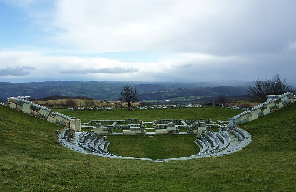 Molise - Sito archeologico di Pietrabbondante (Isernia): particolare del Teatro - Ph. Pietro Valocchi | CCBY-SA2.0